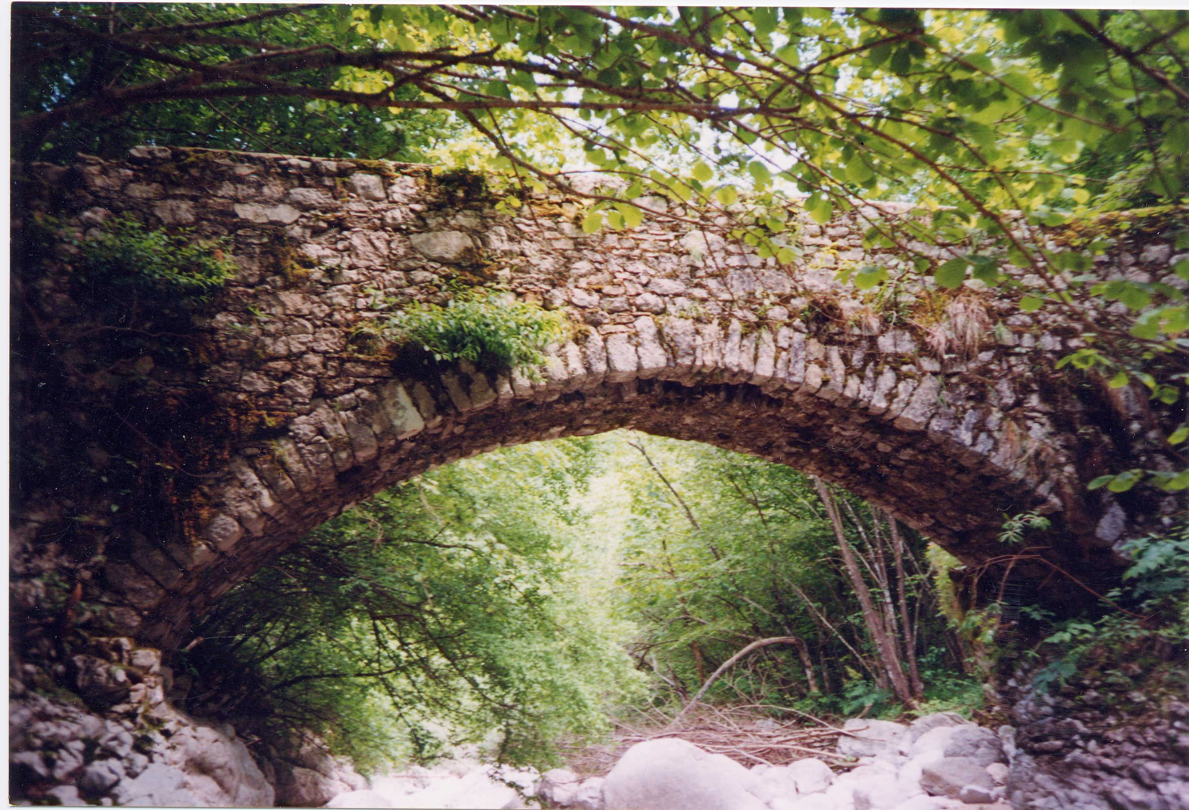 Ponte Romano di Pers - foto tratta da www.grottedivillanova.it