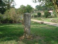 Colonnette di confine tra Stato Pontificio e Regno delle Due Sicile (Pescorocchiano)