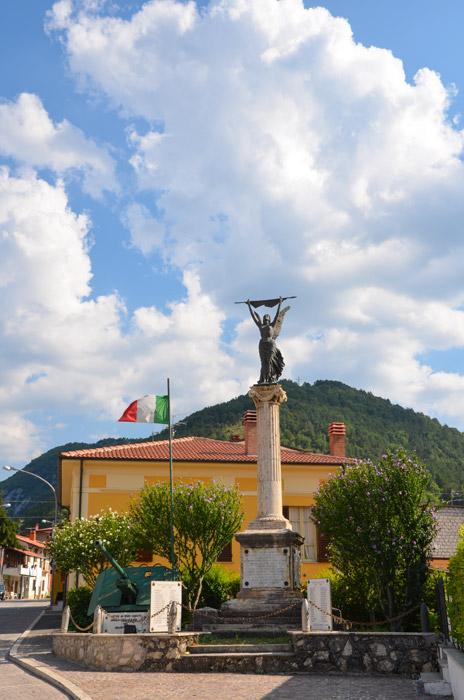 Monumento ai caduti  (Lecce nei Marsi)